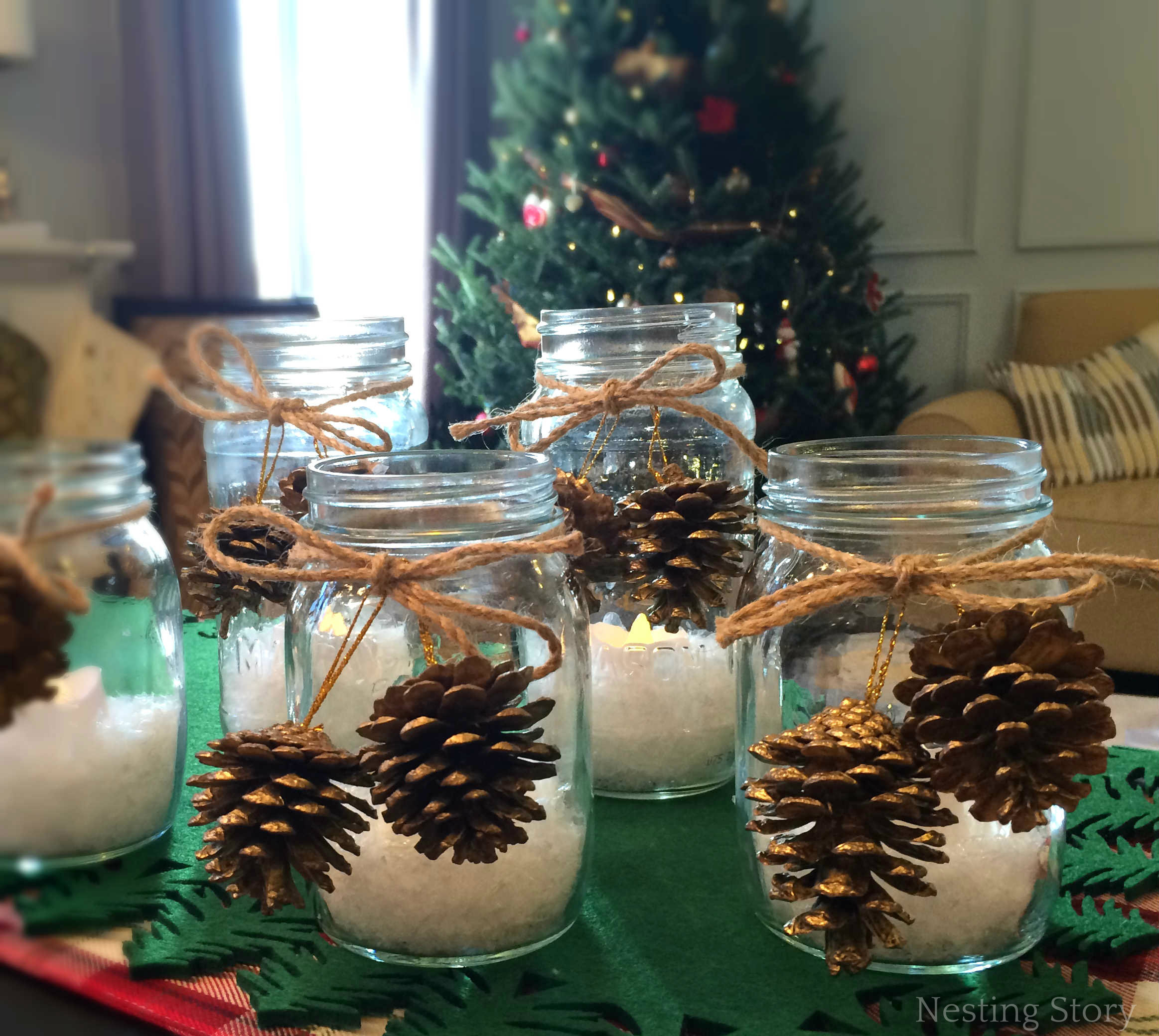 DIY Christmas Mason Jar Candles