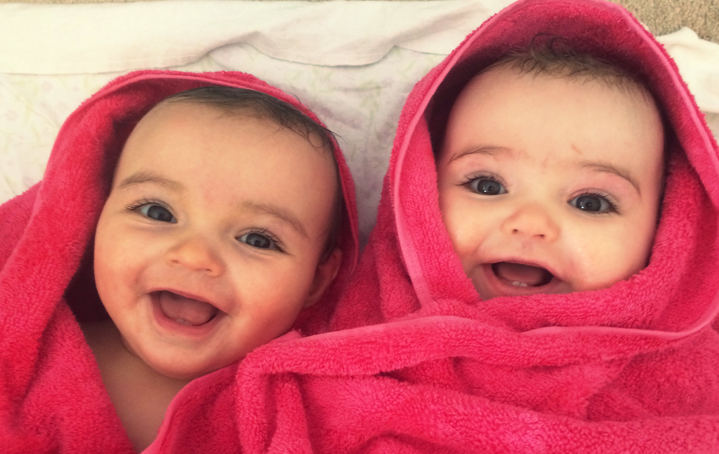 5 Ways That Twins Are Easier Than One Baby  Nesting Story