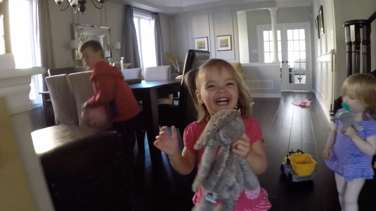 I Made A New Friend And Everly Finds Everything Hilarious (Vlog 7)