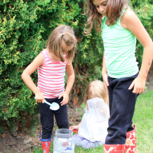 Weekend clothes vs daycare and school clothes for my four kids – how I separate the two