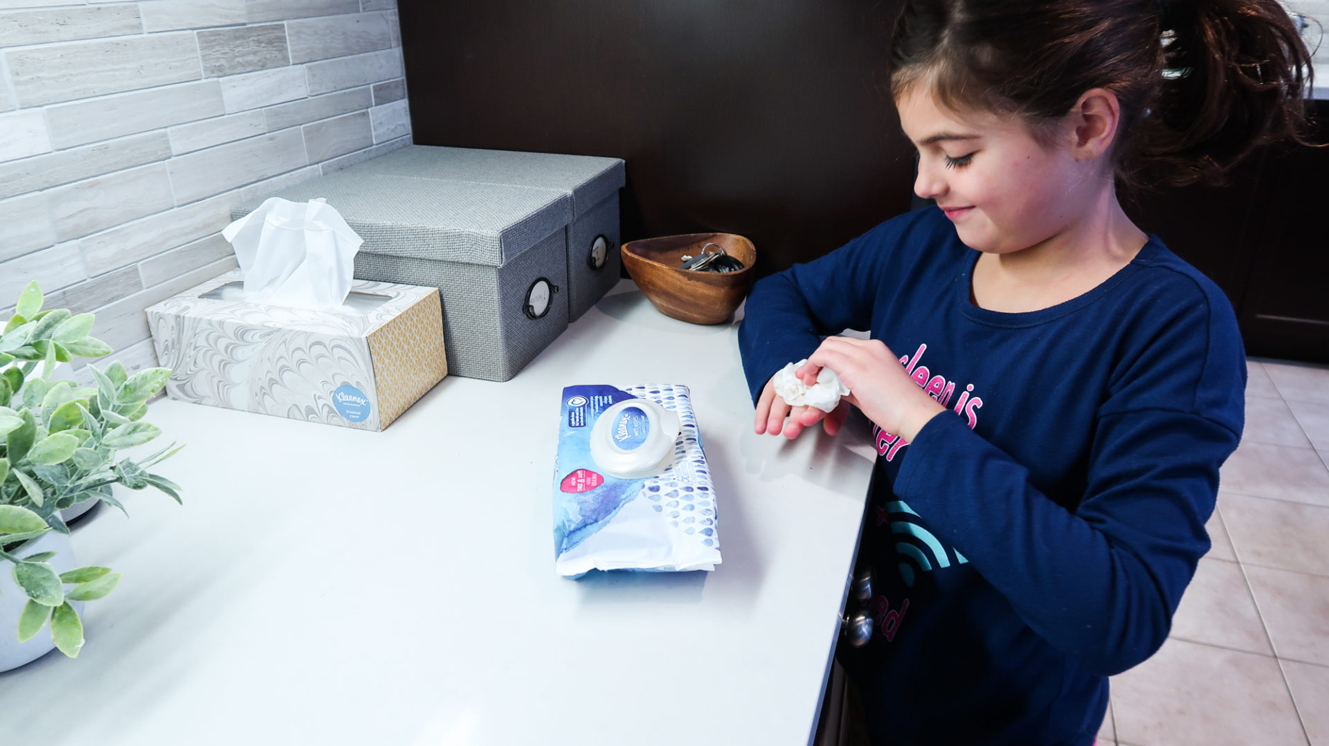 quick and easy clean up for messy hands with Kleenex - nesting story