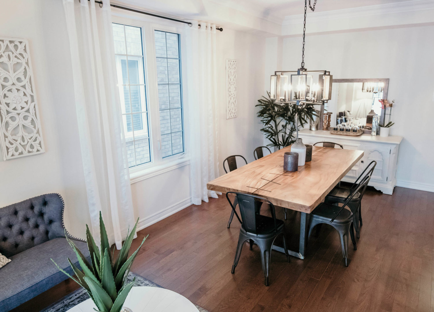 DIY dining table design that looks more expensive than it really was