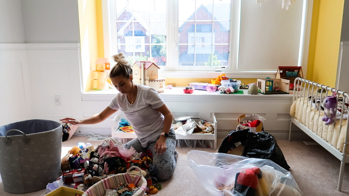 Jumping Back Into Decluttering Before School Starts
